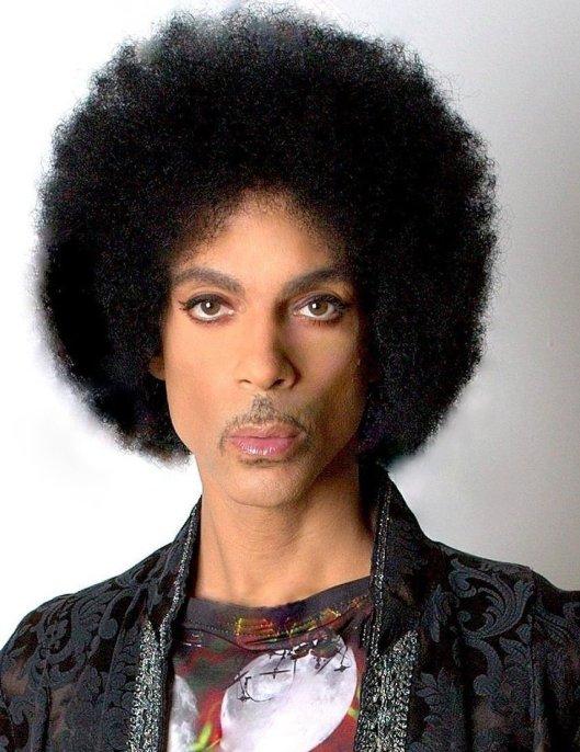 Prince's passport photo slays